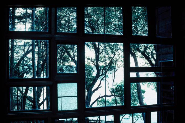 Comparelli Architect - Mudge Island British Columbia - House Windows Day